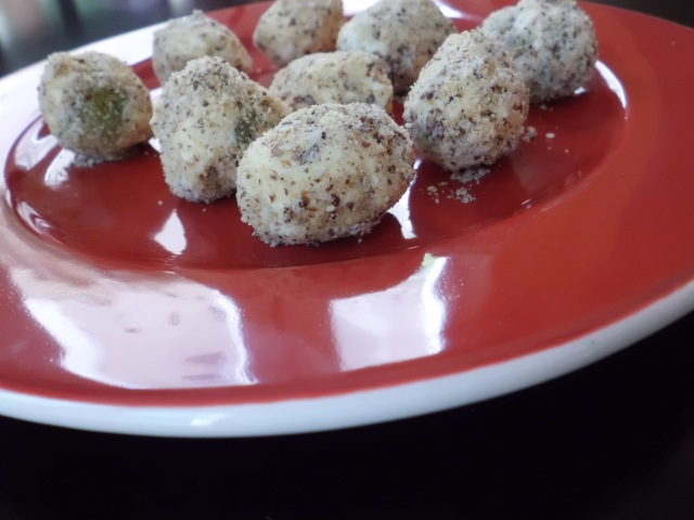 Grapes Rolled in Almonds and Ginger